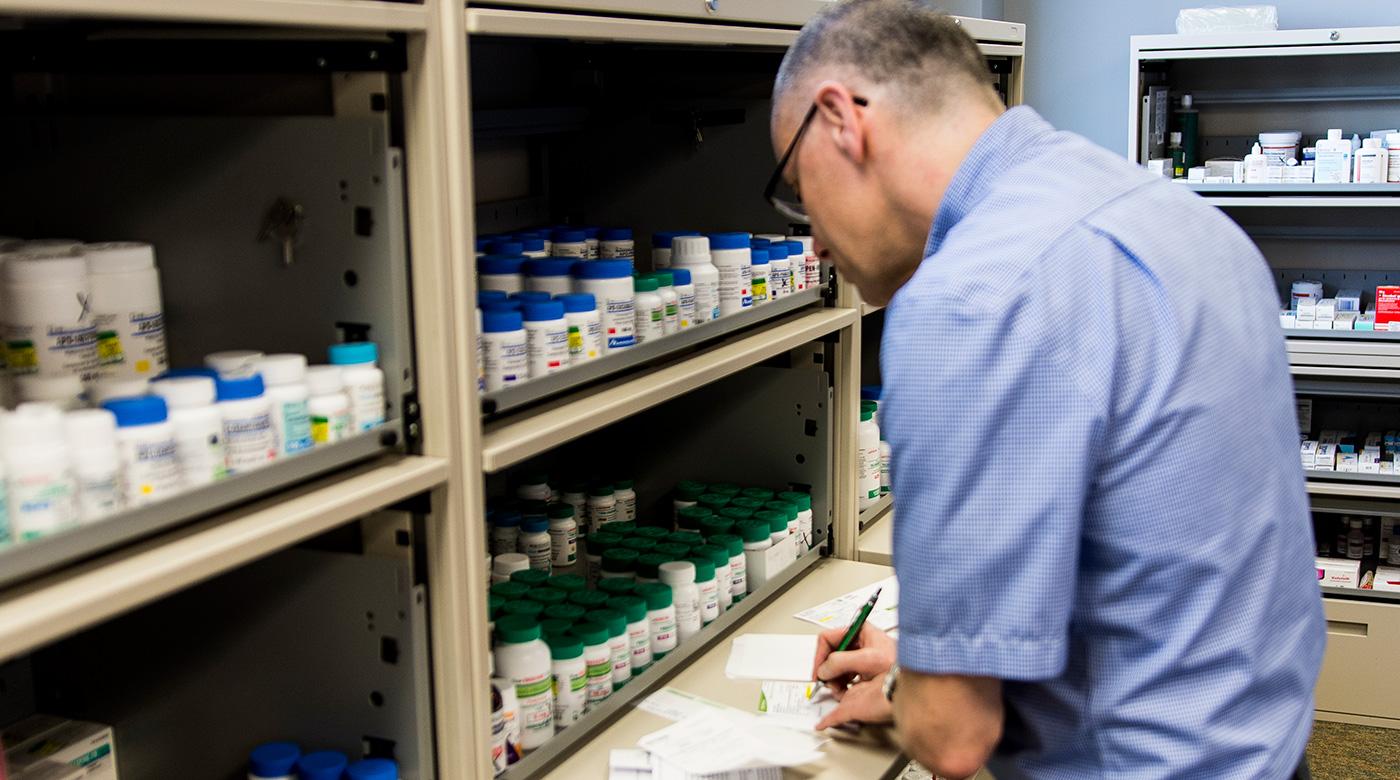 pharmacist-header